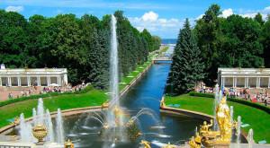 Сезон фонтанов в Петергофе