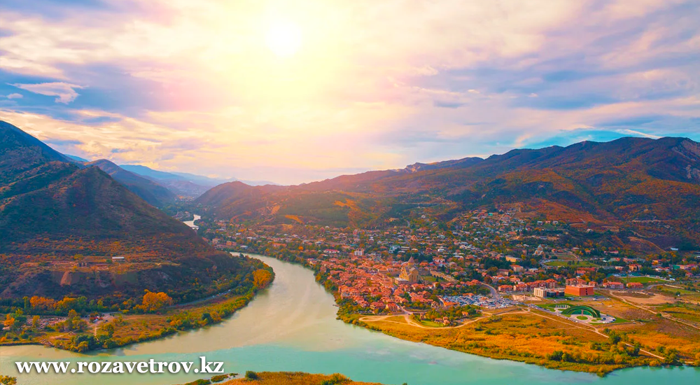 Экскурсионный тур в Грузию - отличный подарок на день Всех Влюбленных (5359-07)