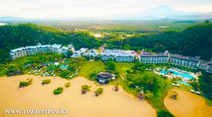 Новогодний тур в Малайзию, остров Борнео из Алматы. Устройте себе райский праздни�
